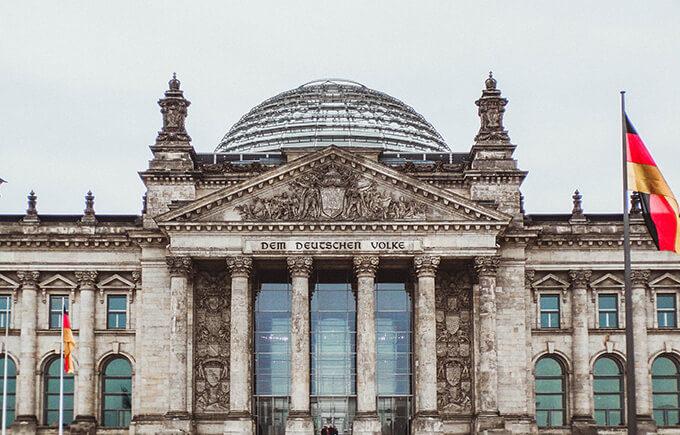 Deutschland hält an Fortsetzung des Dialogs mit Moskau fest